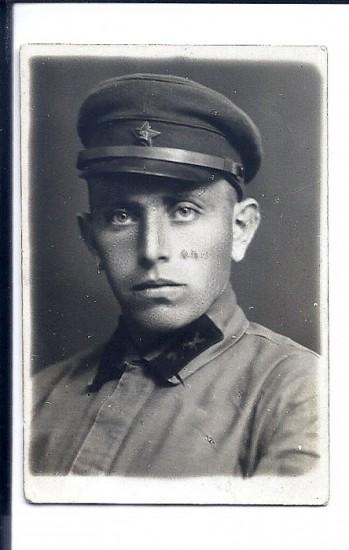 ישעיהו יצחק במדים - Yeshayahu Yitzhak in uniform