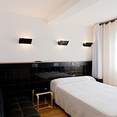 Y Sofa Small Bedroom Ideas With Bed Room Additional Services Hostal Athenas Habitacion Doble 1 Cama