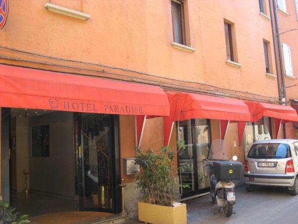 Hotel Paradise Bologna Italy Hostelscentral Com En