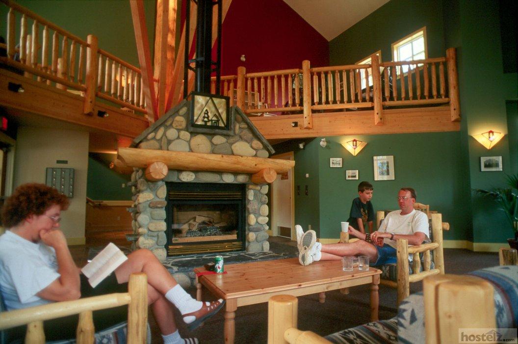 Hi Banff Alpine Centre Hostel Banff National Park