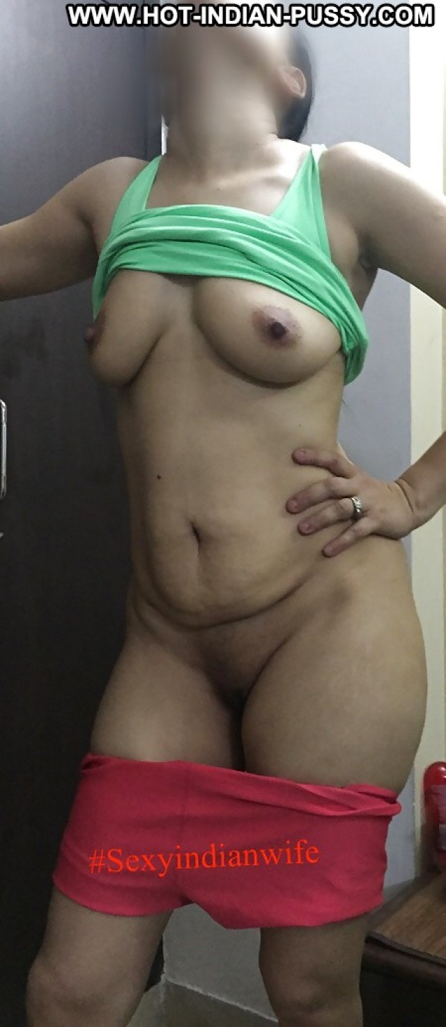 Christina Private Pics Nipples Amateur Sexy Indian Desi Asian Camel