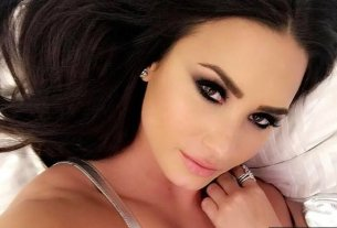Demi Lovato Flaunts Her Cleavage in New Sexy Instagram Photo