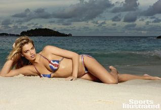 Hailey Clauson (16)