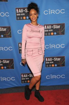 Rihanna attends NBA All-Star Weekend 2015 at Barclays Center in N.Y.C. 14.2.2015_02