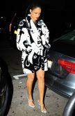 Rihanna dining at Giorgio Baldi in L.A.10.2.2015_02