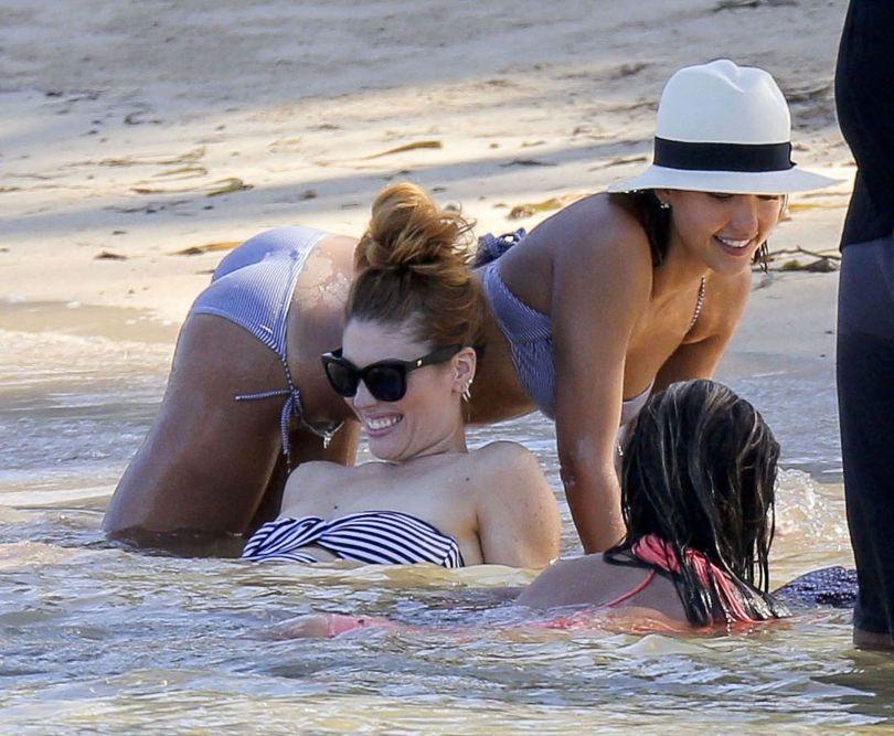 Jessica Alba - Bikini Candids in Caribbean