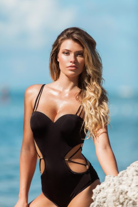 Samantha Hoopes (34)