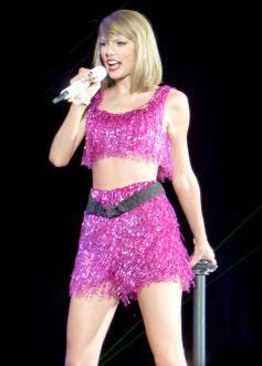 Taylor Swift (31)