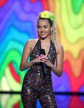 Miley Cyrus (29)