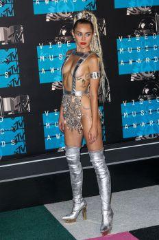 Miley Cyrus (46)