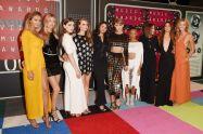 Taylor Swift (2)