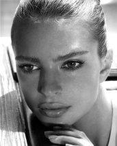 Emily Ratajkowski-008