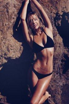 Alexis Ren (46)