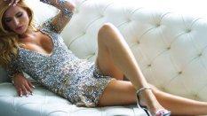 Bella Thorne (19)