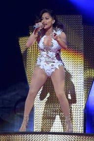 Jennifer Lopez (9)