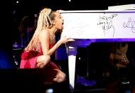 Miley Cyrus (28)