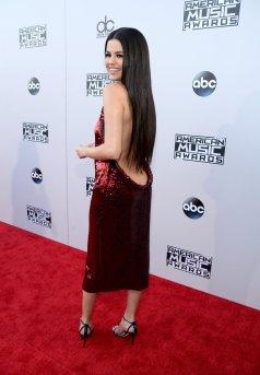 Selena Gomez (32)