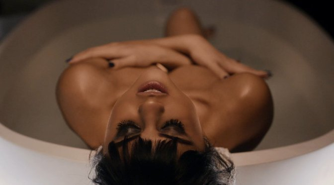 "Selena Gomez – ""Hands To Myself"" Music Video Caps"