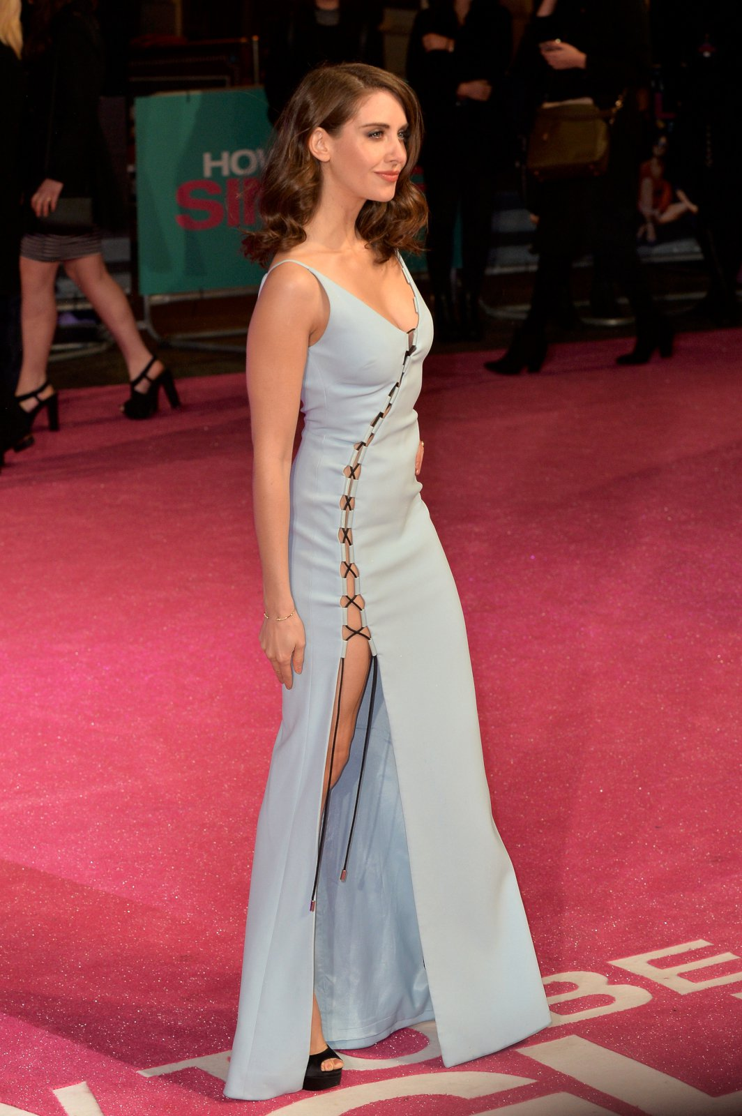 Pin by All Fashions Today on Alison Brie   Alison brie