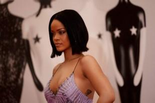 Rihanna (1)