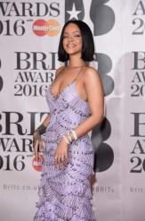 Rihanna (10)