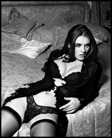 Elizabeth Hurley (2)