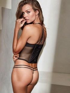 Josephine Skriver (52)