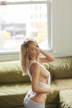 Sara Underwood (34)