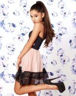 Ariana Grande (7)