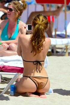Bella Thorne (44)