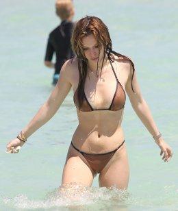Bella Thorne (52)