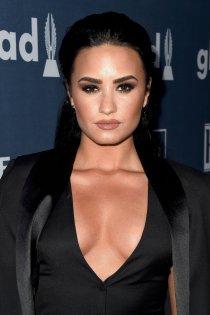 Demi Lovato (2)