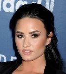 Demi Lovato (21)