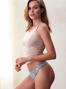 Josephine Skriver (35)