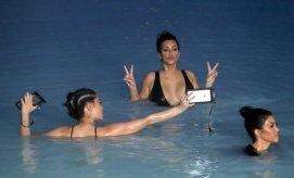 Kim Kardashian (24)
