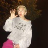 Miley (61)