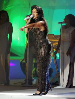 Rihanna (20)