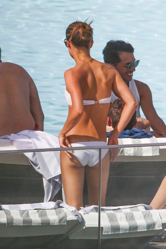 Alicia Vikander - Bikini Candids in Rio de Janeiro