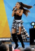 Ariana Grande (4)
