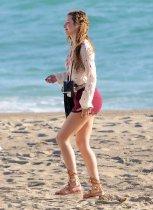 Bella Thorne (20)