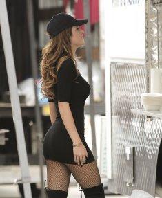 Bella Thorne (28)