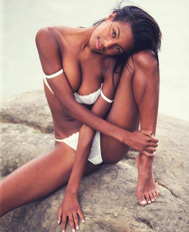 Ebonee Davis - Naked Photoshoot by David Bellemere (NSFW)