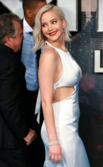 Jennifer Lawrence (28)