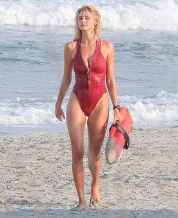Kelly Rohrbach (33)