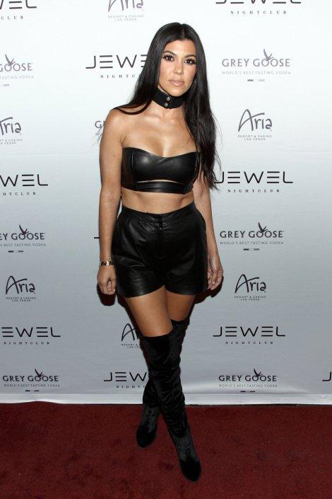 Kourtney Kardashian (16)