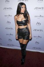 Kourtney Kardashian (5)