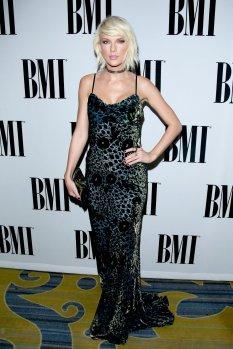 Taylor Swift (1)