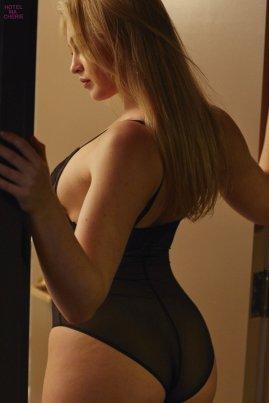 Iska Lawrence (43)