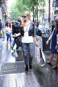 Paris Hilton (49)