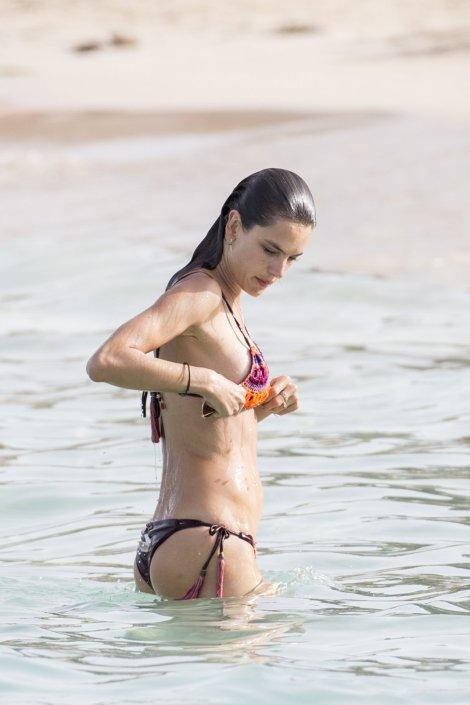 Alessandra Ambrossio (21)